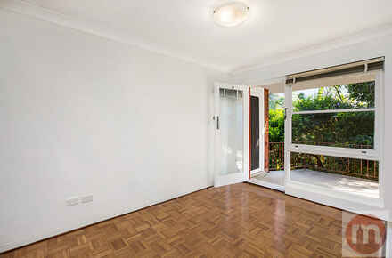Annandale-St-11-56-Annandale-Living-Low.jpg