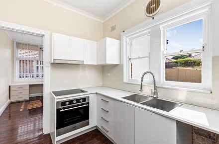 8-Kitchen.jpg