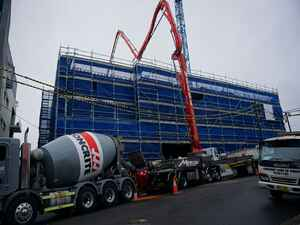 concrete pump.JPG