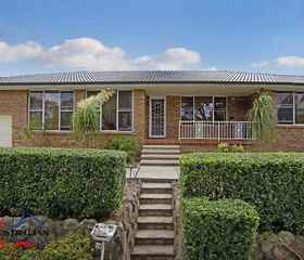 16 Plymouth Cres, Kings Langley