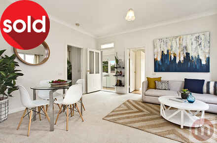 Livingstone-Rd-7-52-Petersham-Living2-Low.jpg
