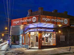 4795733-Roger-Mickhail-Office-Dusk+4-Low.jpg