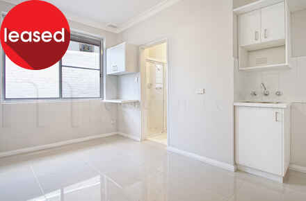 Balmain, Rowntree, 171-175, Unit 19 - Living Space - WEB.jpg