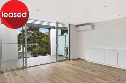 Catherine-St-109-402-Lilyfield-Living-Low Res.jpg
