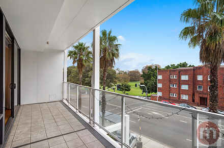 New-South-Head-Road-203-85-Edgecliff-Balcony-Low.jpg