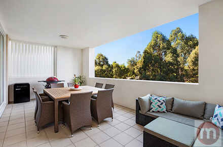 Peninsula-Drive-410-15-Breakfast-Point-Balcony-Low.jpg