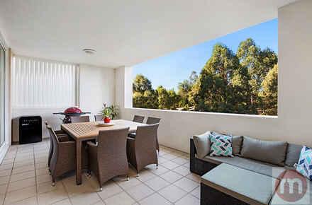 Peninsula-Drive-410-15-Breakfast-Point-Balcony-Low.jpg